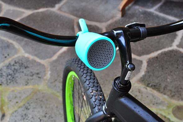 Boom Swimmer waterproof bluetooth speaker on handlebar